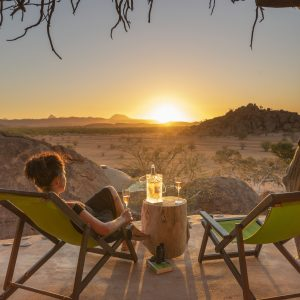 camp-kipwe-balcony-sundowner